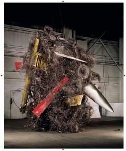 Unclassified_1992: materiais bélicos são transformados em arte