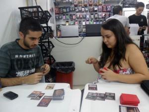 Luciano e Mayara pretendem organizar um campeonato na UFRJ