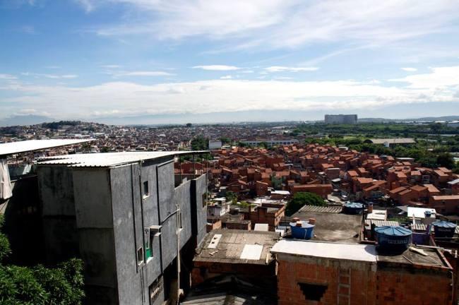 Conjunto de favelas da Maré (Foto: Francisco Valdean / Reprodução Jornal O Cidadão)
