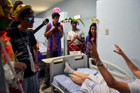 Paciente recebendo música