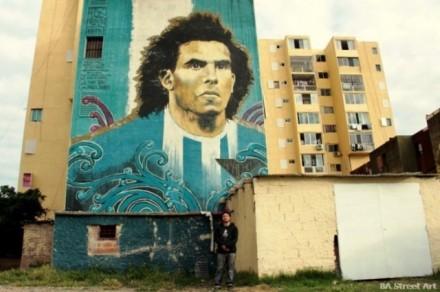 Muro pintado em El Fuerte Apache foi um dos meios para o povo argentino pedir Carlitos Tevez na Copa (Foto: Martin Ron)