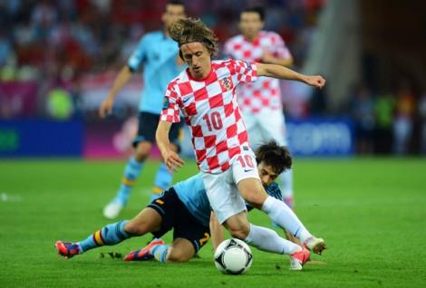 Modric pode dar muito trabalho à defesa brasileira no primeiro jogo da Copa (Foto: Reprodução / Getty Images)