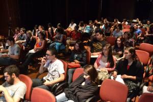 Auditório lotado para o debate do jornalismo na era digital