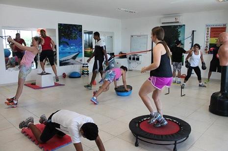 Treinamentos funcionais intervalados são boas opções para quem não tem muito tempo para fazer exercícios - Foto: Henrique Almeida/GloboEsporte.com
