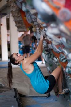 Anna Shaw durante treino no ginásio Casa de Pedra em São Paulo