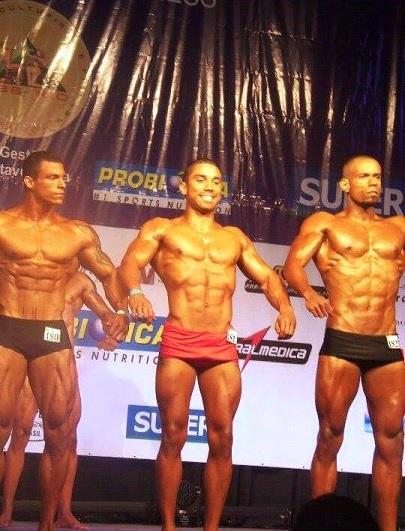 Tasso Cardoso, ao centro, em uma das competições - Foto: Arquivo Pessoal